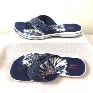 Clark's Size 10 Flip Flops Sandals
